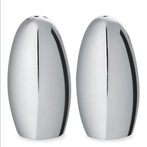 Ercuis salt and pepper shakers
